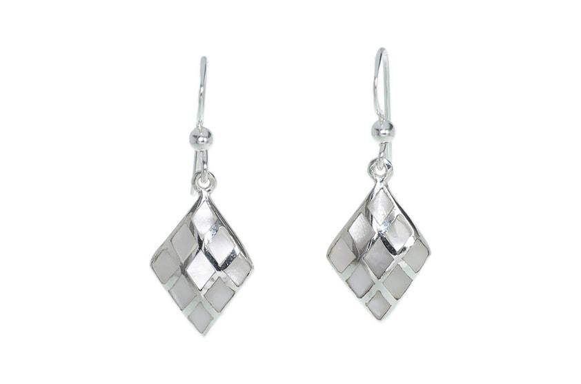 1c649be4278fbd Kolczyki srebrne z masą perłową - Monarti Srebrna Biżuteria